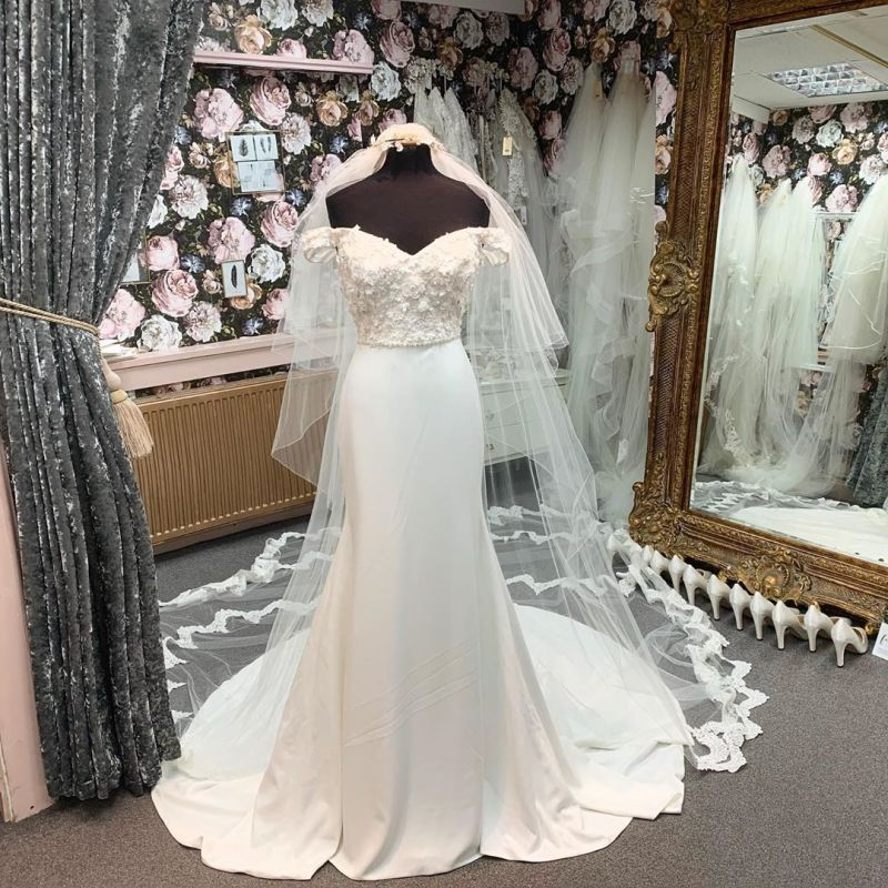 Off Shoulder Lace Satin Floor length Wedding Dress with Wedding Veil