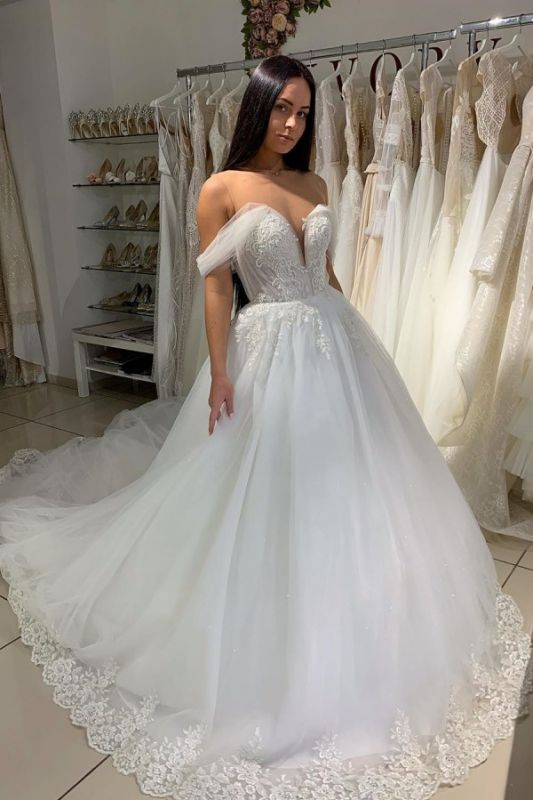 Charming Off Shoulder V-Neck White Lace Appliques A-line Ball Gowns Tulle Bridal Dress