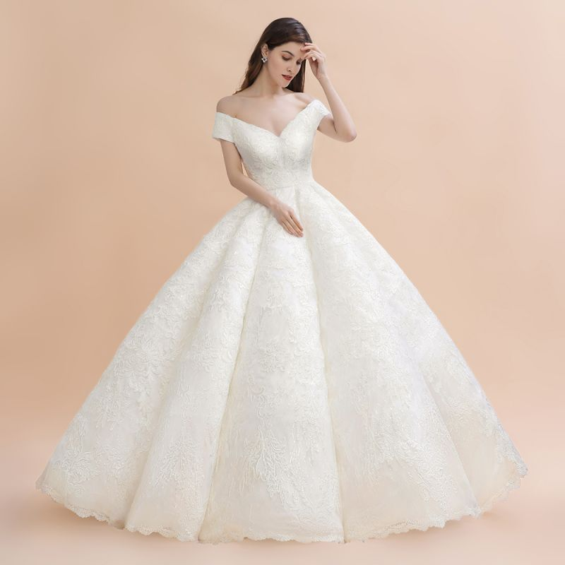 Elegant Ivory Off-the-Shoulder Lace Appliques Ball Gowns