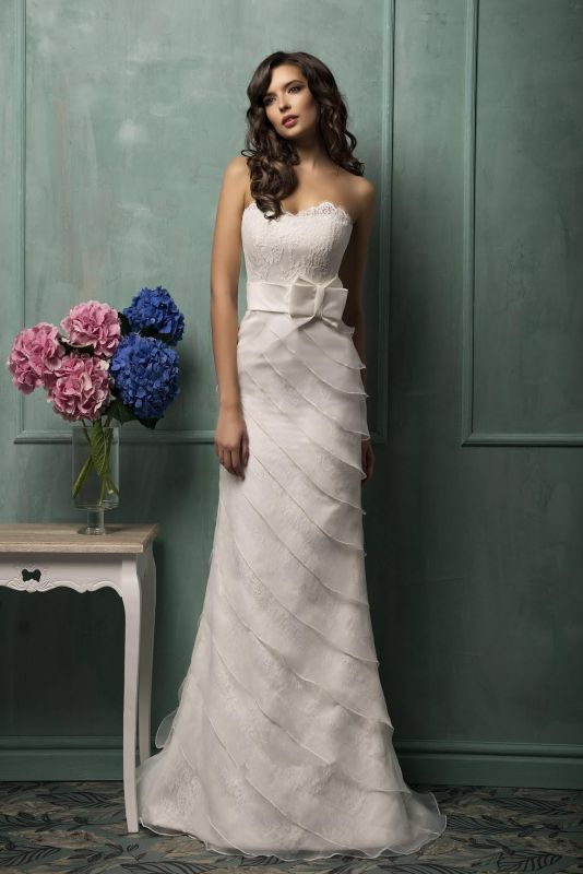 Modern Sweetheart Sleeveless A-line Wedding Dress With Lace Appliques