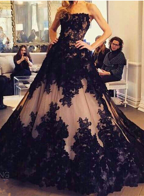 Chic Lace Appliques Ball Gown Evening Dress 2020 Strapless Sleeveless