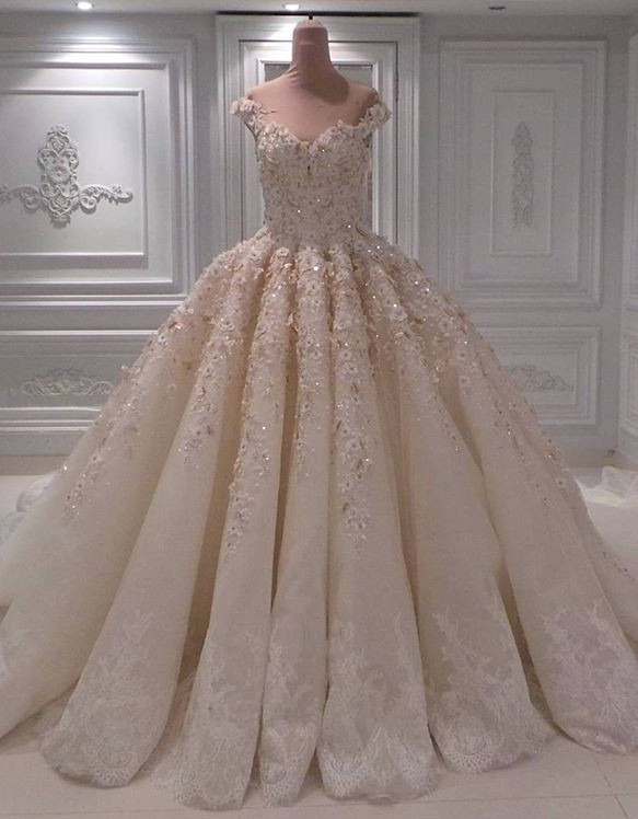 Modest Off-the-Shoulder Ball Gown Bridal Dress | 2020 Lace Appliques Long Wedding Gown On Sale