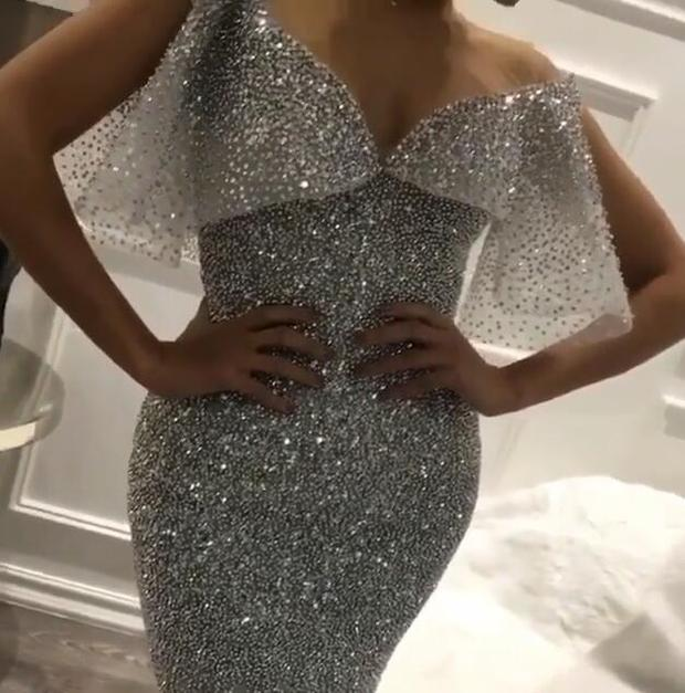 Glamorous Off-The-Shoulder Mermaid Sequins Prom Dress | Sleeveless Zipper Crystals Evening Dress BC0653