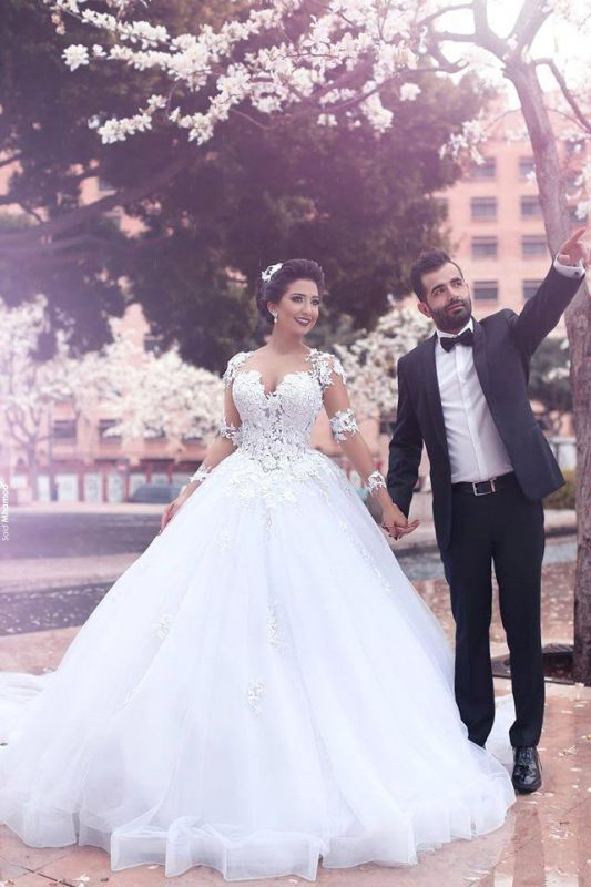 Chic Long Sleeve Lace Appliques 2020 Wedding Dress Tull Ball Gown