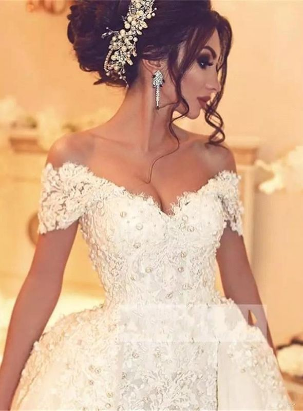 Glamorous Off-the-Shoulder 2020 Wedding Dress With Lace Appliques On Sale