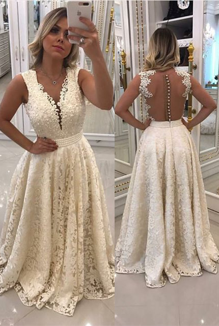 Gorgeous Sleeveless Lace 2020 Evening Dress Long With Pearls