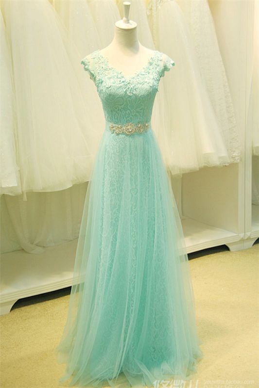 Elegant Lace Appliques Sleeveless Prom Dress Floor Length Tulle Evening Gowns