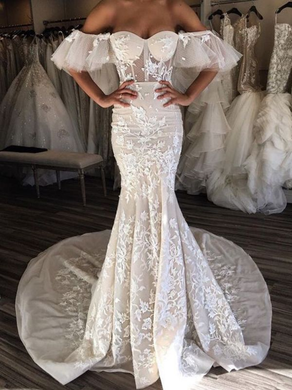 Glamorous Sweetheart 2020 Bridal Gowns   Lace Appliques Long Wedding Dresses