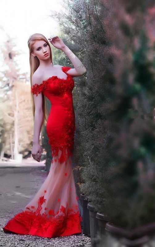 Gorgeous Red Off the shoulder Prom Dress 2020 Mermaid Sheer Skirt