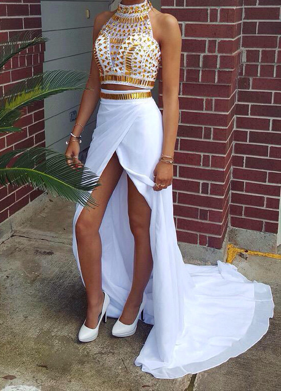 Glamorous Halter Crystals Chiffon Two Pieces Prom Dress 2020 Front Split