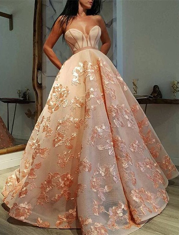 Stunning Sweetheart Appliques Evening Gowns   2020 Long Prom Dress On Sale