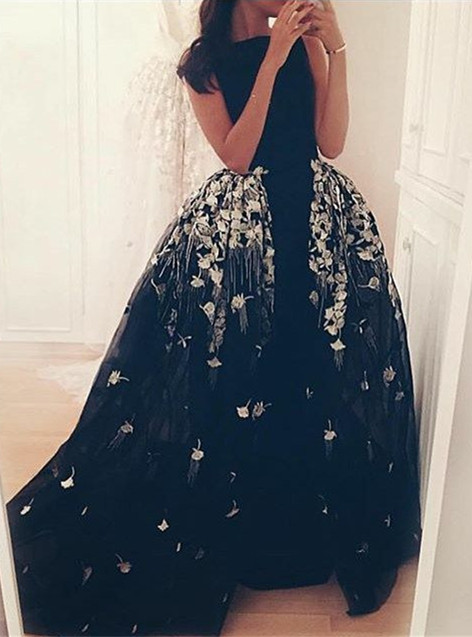 Glamorous Long Overskirt Party Dress Appliques Tulle Evening Gown