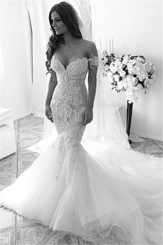 Sexy Off-shoulder Mermaid Tulle Wedding Dress With Lace Appliques Ruffles
