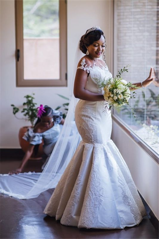 Glamorous Off-the-Shoulder Mermaid Lace Appliques Bridal Gown