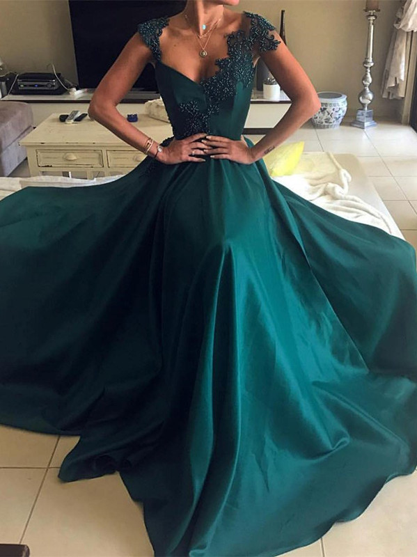Elegant Green Sleeveless Prom Dresses | 2020 Long Evening Gowns With Beads