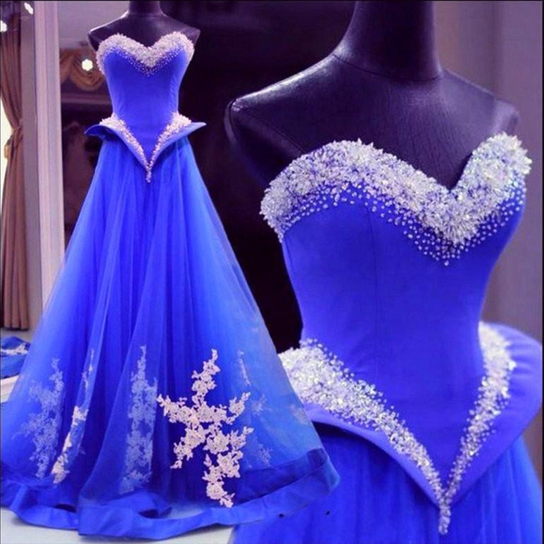 Glamorous Sweetheart Tulle Evening Dress With Appliques Beadings