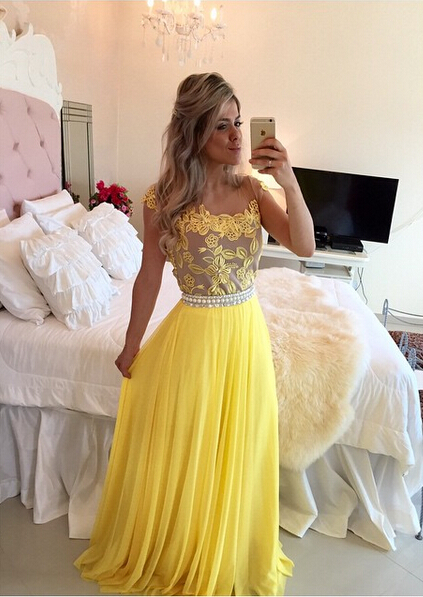 Delicate Yellow Chiffon Pearls Prom Dress 2020 Lace Appliques BT0