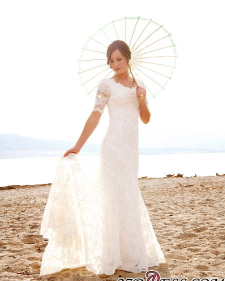Sweep-Train Short-Sleeves Sheath-Column Lace Chic Scoop-Neck Wedding Dress