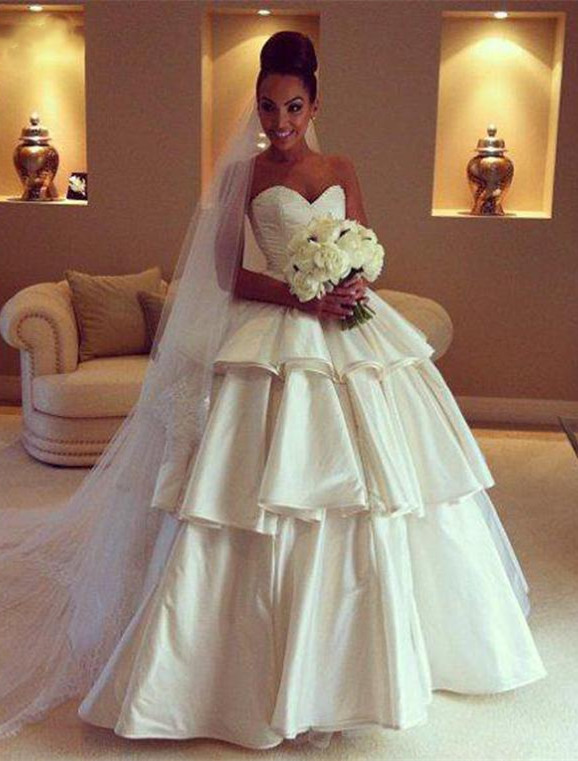 Gorgeous Sweetheart Layered 2020 Wedding Dresses Ball Gown Floor Length Bridal Gown