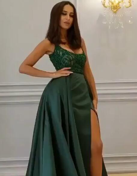 Gorgeous Sleeveless Lace Appliques Prom Dresses | 2020 Green Slit Evening Gowns BC0893