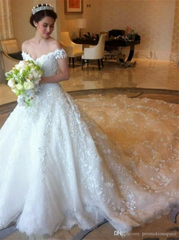 Elegant Off-shoulder Tulle Wedding Dress Ball Gown With Lace Appliques