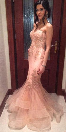 Delicate Lace Appliques Mermaid Prom Dress 2020 Strapless Sleeveless Sweep Train