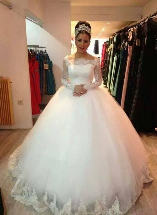 Elegant Long Sleeve Lace Tulle Wedding Dress Ball Gown
