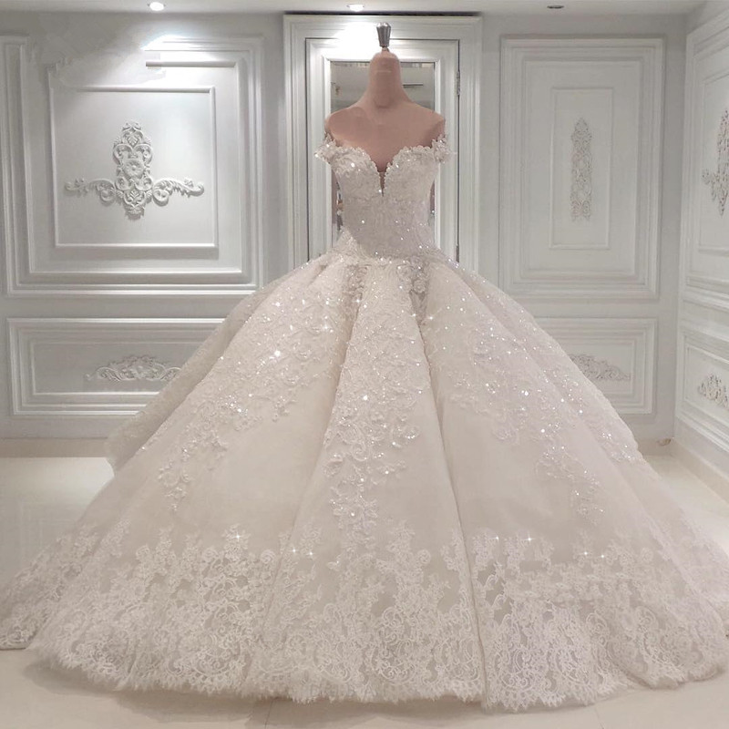 Glamorous Sweetheart Off-the-Shoulder Wedding Dress | Lace Applique 2020 Bridal Gown Online