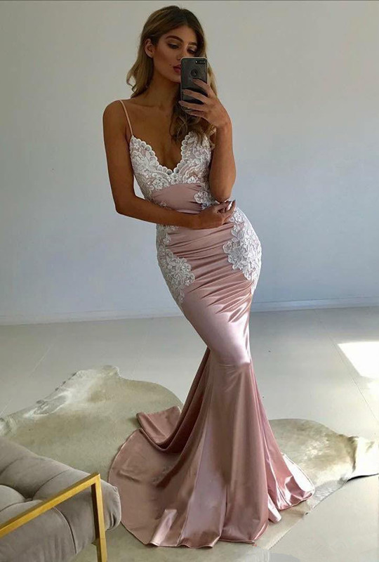 Spaghetti-Straps Lace Prom Dress | 2020 V-Neck Evening Party Gowns