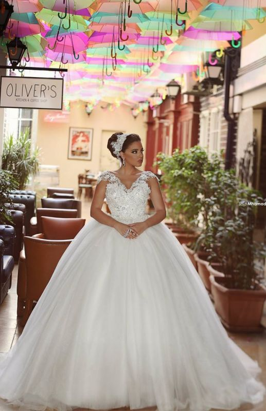 Delicate Tulle Lace Flowers 2020 Wedding Dress Ball Gown Cap Sleeve Plus Size