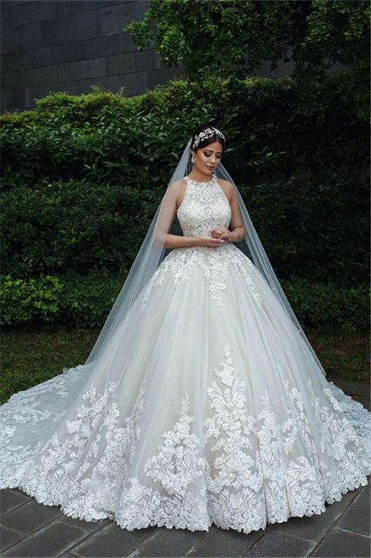 Halter Lace Appliques Ball Gown Wedding Dresses Gorgeous Sleeveless Bridal Dresses