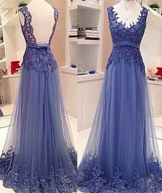 Elegant V-neck Sleeveless Prom Dress Open Back With Lace Appliques