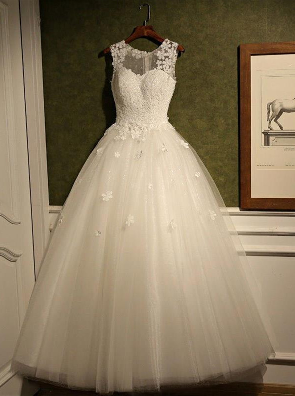 Stunning Sleeveless Scoop Wedding Dress 2020 tulle Lace Appliques