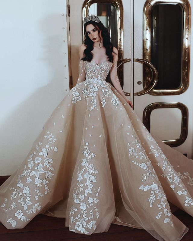 Glamorous Long Sleeve Sweetheart Evening Gowns   Lace Appliques Prom Gowns