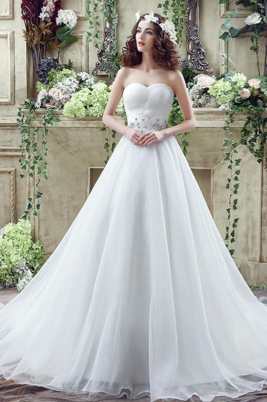 Chic White Sweetheart Beadings 2020 Wedding Dress Court Train Lace-up