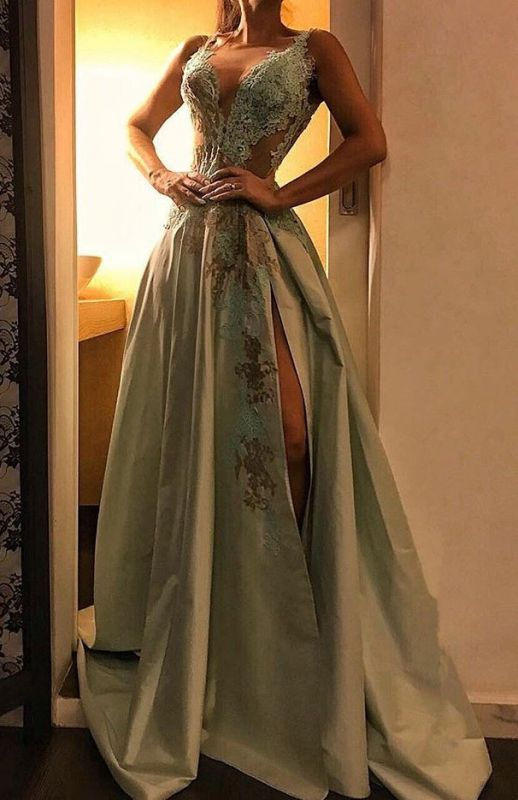 Charming A-Line V Neck Sleeveless Prom Dress | 2020 Lace Appliques Evening Gown With Split