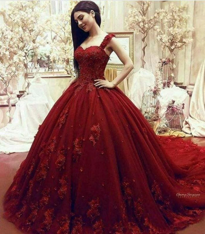 Gorgeous Sweetheart Red Prom Dresses| Long Lace Appliques Ball Gown Evening Gowns