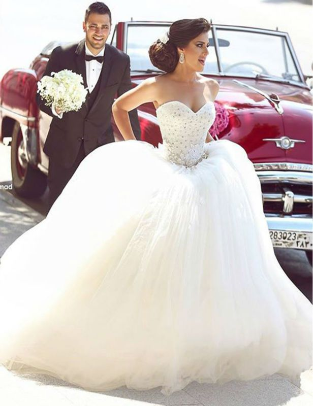 Glamorous Tulle Ball Gown Wedding Dress Appliques Beadings