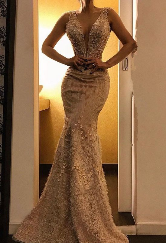 Luxurious Deep V-Neck Mermaid Sleeveless Evening Dress   2020 Floor-Length Lace Appliques Prom Gown