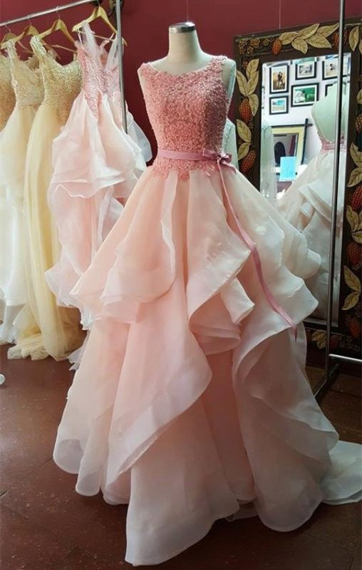 Sexy Ruffles Lace Appliques 2020 Prom Dress Pearl Pink Bow