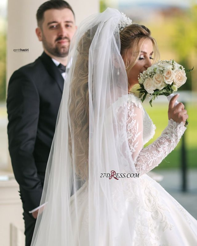 Wonderful V-neck Appliques Off-the-shoulder Ball-Gown Long-Sleeves Wedding Dresses