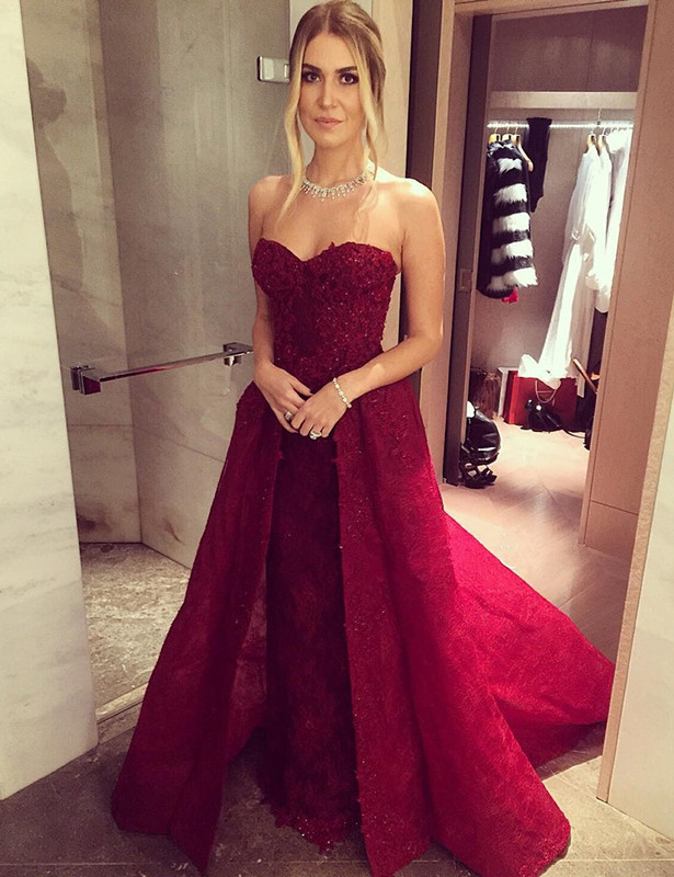 2020 Chic Sweetheart-Neck Burgundy Overskirt Long Lace-Beaded Prom Dresses LY121