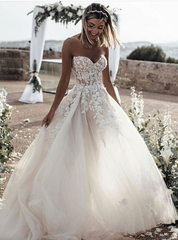 Gorgeous White Sweetheart Sleeveless 2020 Wedding Dress | Lace Appliques Princess Bridal Gown On Sale