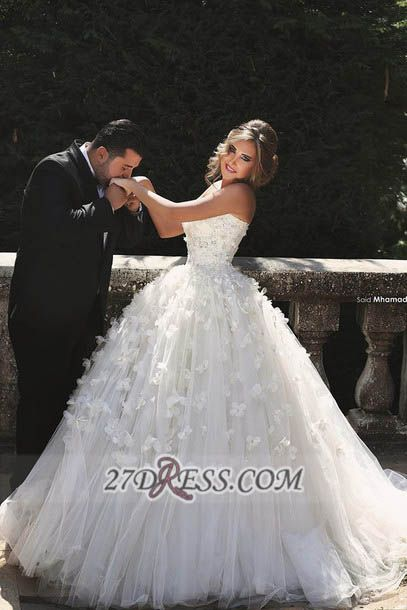 Glamorous Sweetheart Sleeveless Tulle Wedding dress With Ball Gown Floor-length Flowers