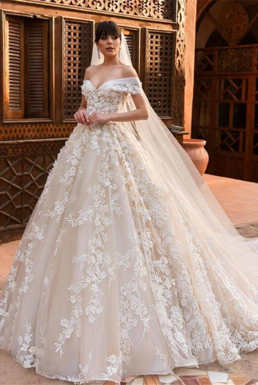 Glamorous Off-the-Shoulder Wedding Dresses   2020 Appliques Flowers Bridal Gown