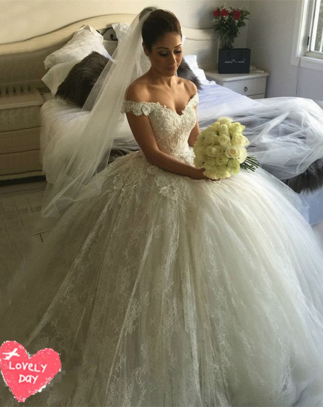 Gorgeous Off-the-Shoulder Ball Gown Wedding Dress 2020 Tulle Lace Appliques
