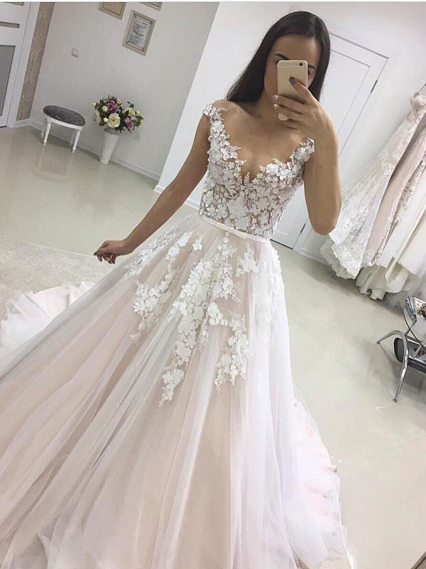 Elegant V-neck Lace Appliques 2020 Wedding Dress Tulle Wedding Reception Dress Online
