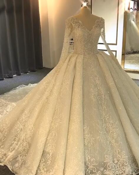 Luxurious Long Sleeve Lace Wedding Dresses   2020 Ball Gown Lace Crystal Bridal Gowns