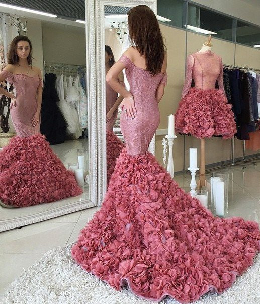 Glamorous Off-the-shoulder Lace Prom Dresses 2020 Mermaid Ruffles Party Gowns