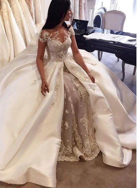 Gorgeous Ball Gown Lace Appliques Wedding Dress 2020 Short Sleeve Illusion LP076